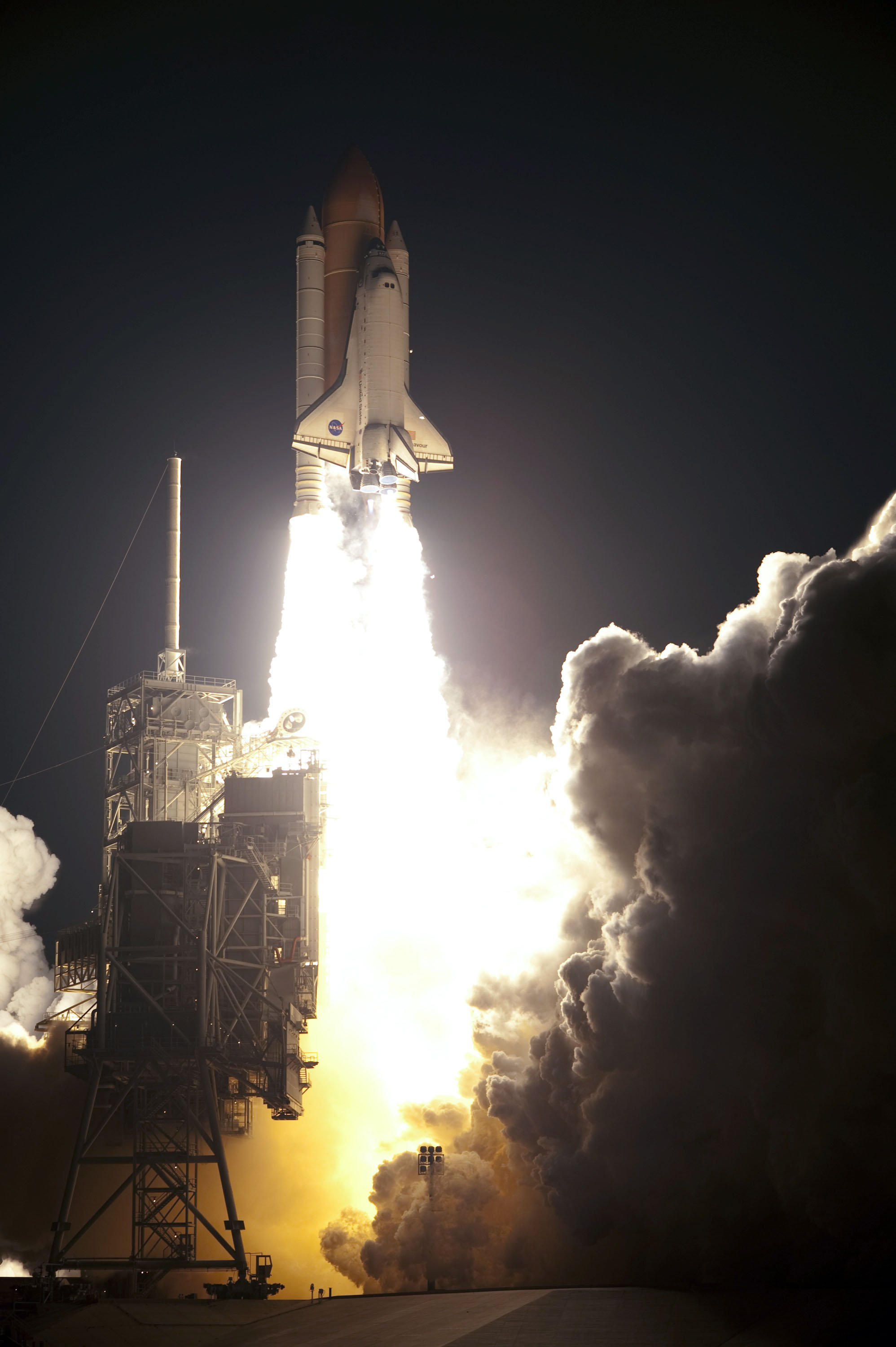 nasas space shuttle rises from the dead to power new - HD 1996×3000